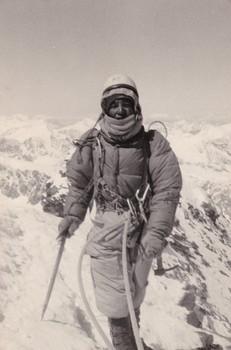 49、政伸さん1968年マッターホル北壁を登って頂上に立ったところIMG_20170116_0001.jpg
